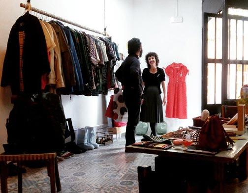 Grey Gardens Shop es una tienda de moda vintage situada en la calle Organo 3 (al lado de la Plaza de la Magdalena)