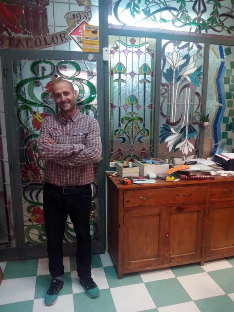 El legado de las vidrieras mantiene la tradición familiar de la mano de Antonio Navarro