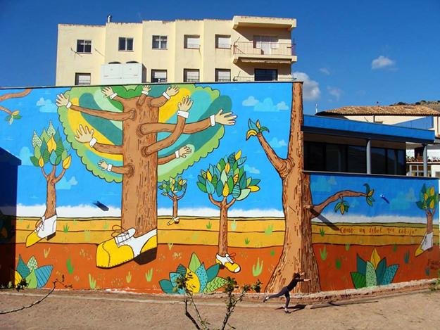 """Mural """"Como un árbol que cobija"""" en Brea de Aragón"""