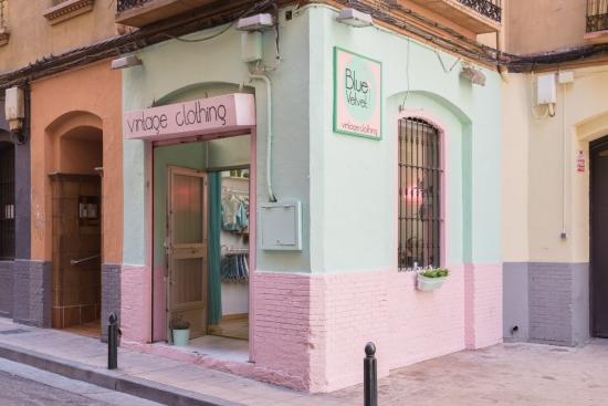 Tiendas de ropa vintage y de segunda mano en zaragoza made in zaragoza - Tiendas que compran muebles de segunda mano ...