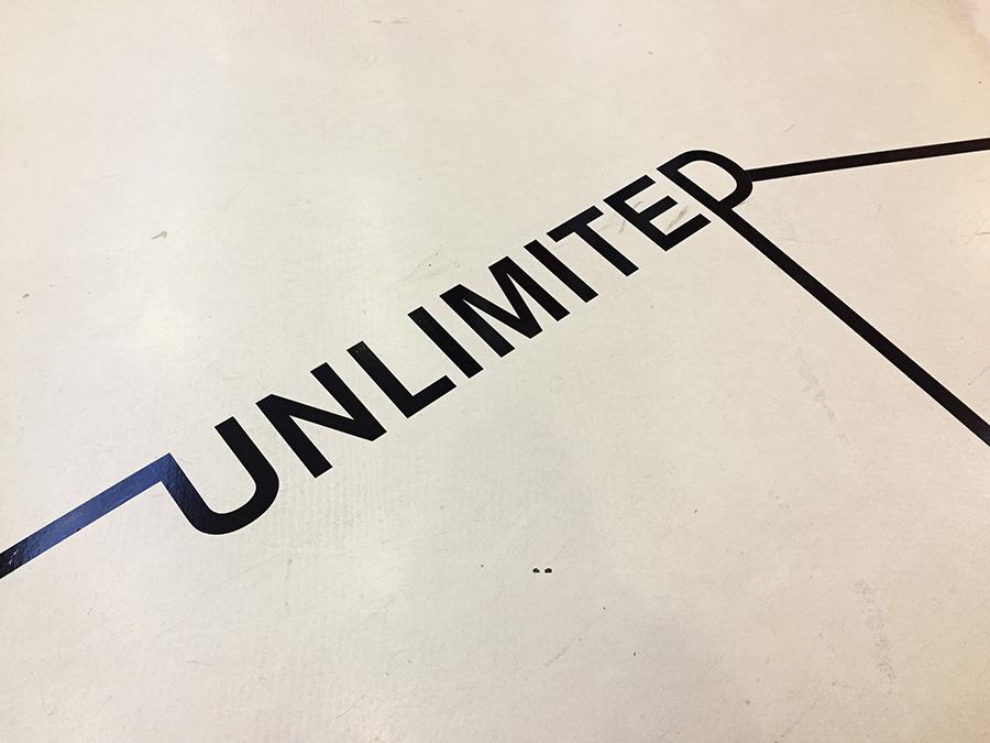 Unlimited. Intervención de Letras en la ciudad en Córner MIZ