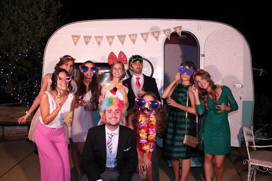 Fotoparty , una empresa Made in Zaragoza que inmortaliza los momentos más divertidos de tu boda