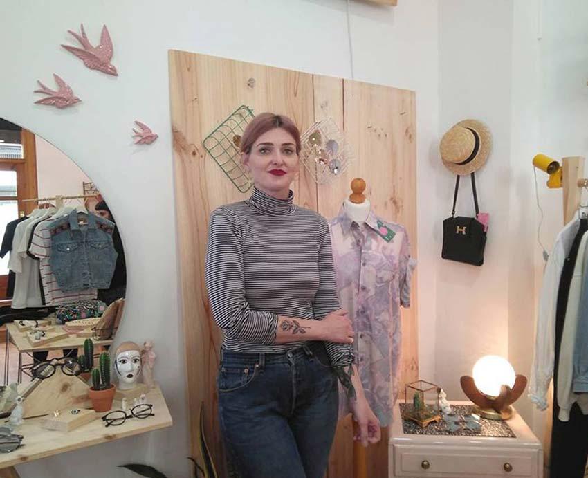 Entrevista a Pili Méndez, impulsora de Kashmir, un espacio para la ropa vintage y de estreno