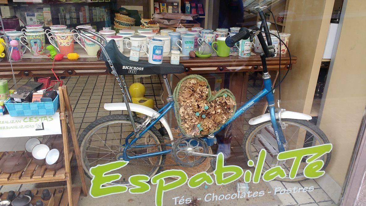 """Los comercios creativos de Made in Zaragoza participan en """"La Ciudad de las Bicis"""" con 19 escaparates ciclistas"""