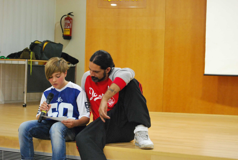 Dr Loncho en un taller de rap en Zaragoza