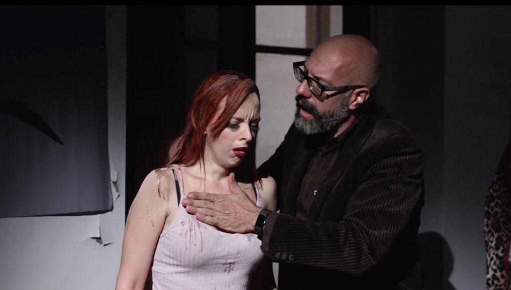 Natalia Gomara y Emilio Larruga, en un fotograma del cortometraje 'La marca'