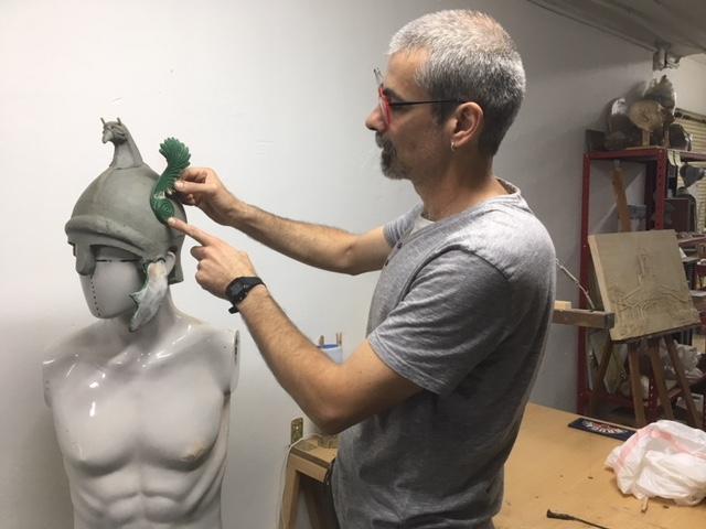 El escultor Miky Alonso realiza réplicas de alta calidad para museos