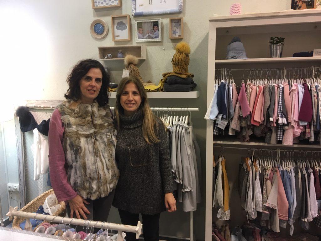 Pilar y Belén, responsables de 3Ellas, tienda de ropa infantil y de camisetas hechas a mano