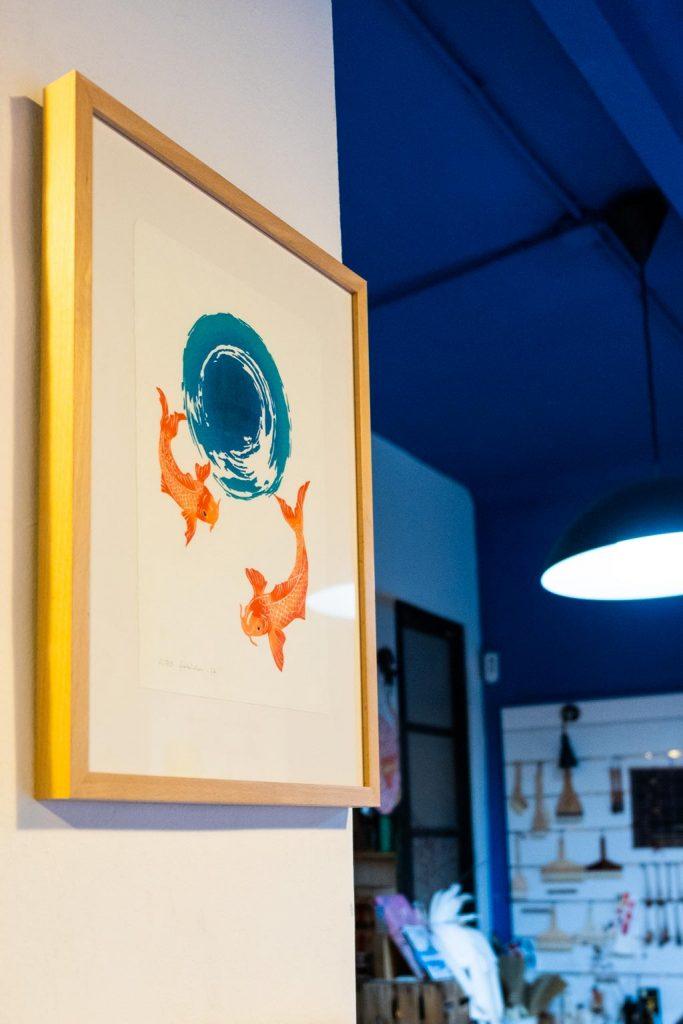 xilografia japonesa de peces de Fabiola Gil