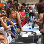 Ciencia en la calle, la superconductividad a escena