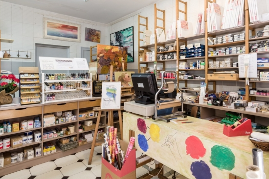 El espacio de Artes 82 dedicado a la tienda especializada