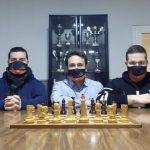 Empecemos el año jugando al ajedrez