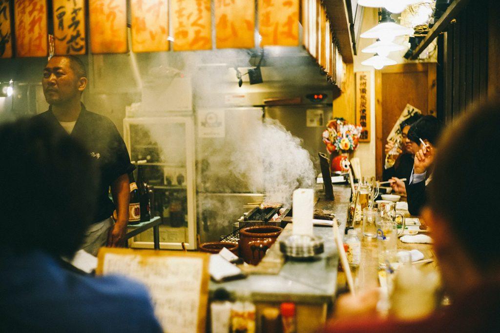 Barra de la una taberna japonesa